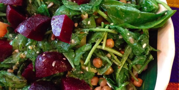 Crunchy Spinach and Beet Salad