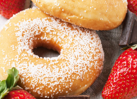 doughnuts-with-fresh-strawberries