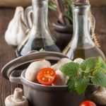 Picture of olive oil, mushrooms and tomatoes